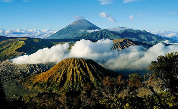 Pesona-Wisata-Gunung-Bromo